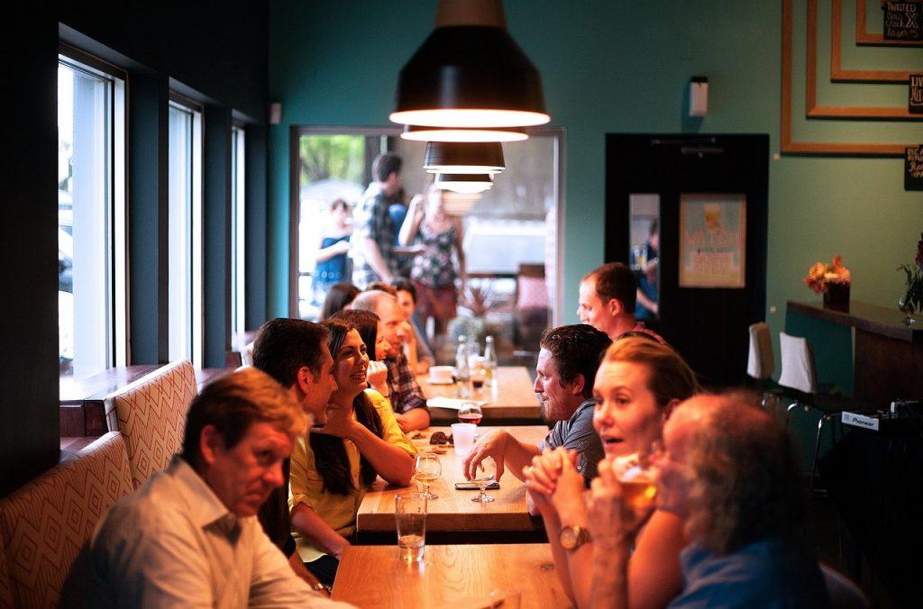 restaurant, people, eating-690975.jpg