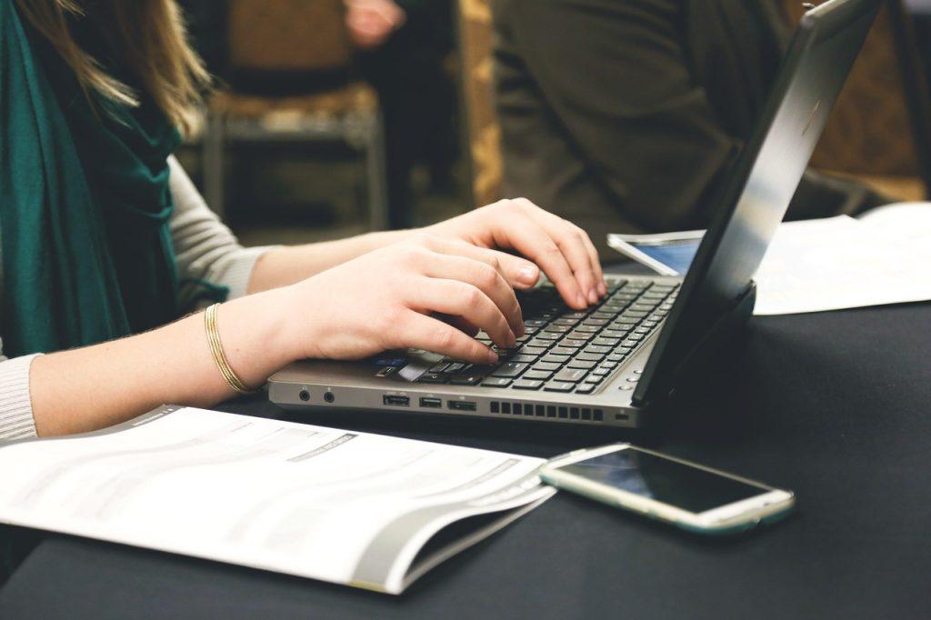 startup, start-up, notebooks-593324.jpg