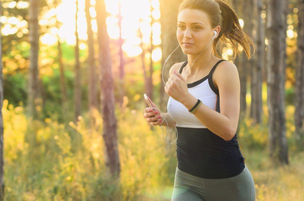woman, jogging, running-2592247.jpg